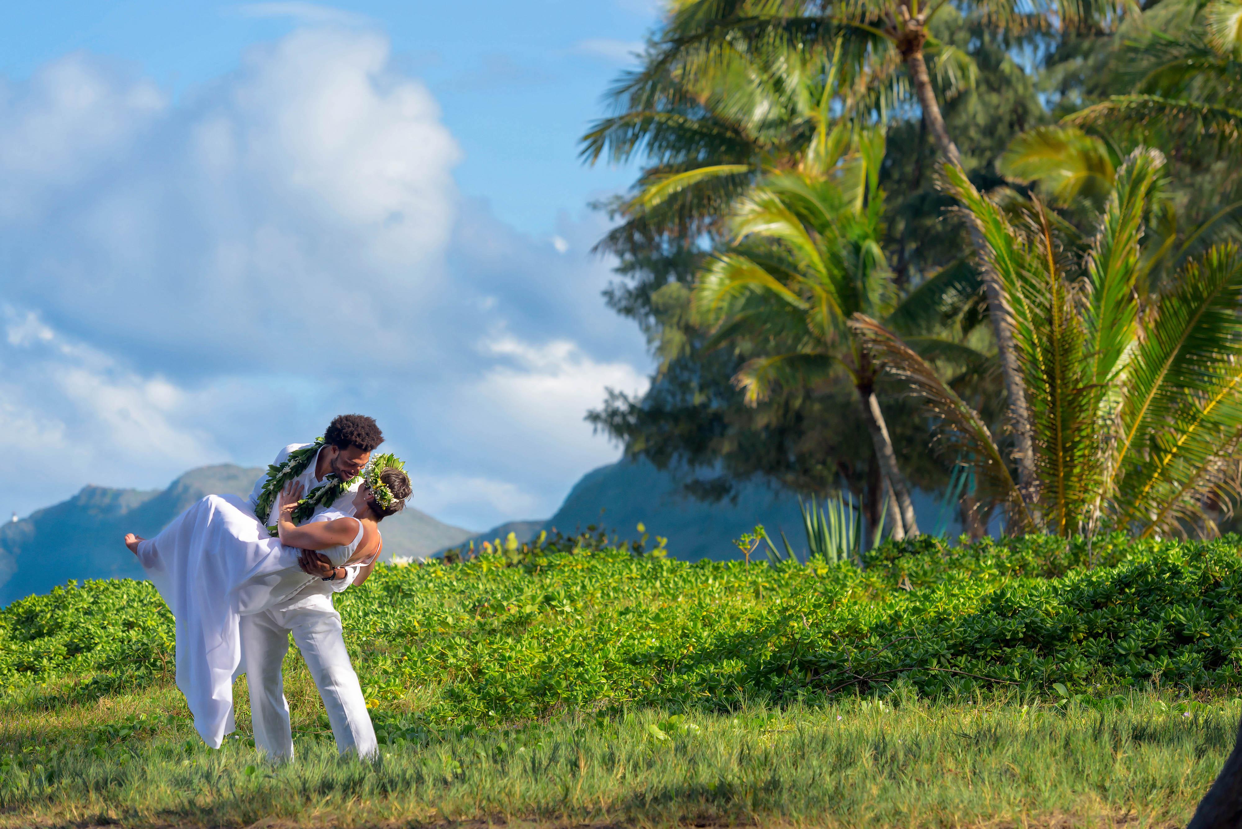 Hawaii Wedding Portraits at Waimanalo - Photo by Mayberry Multimedia